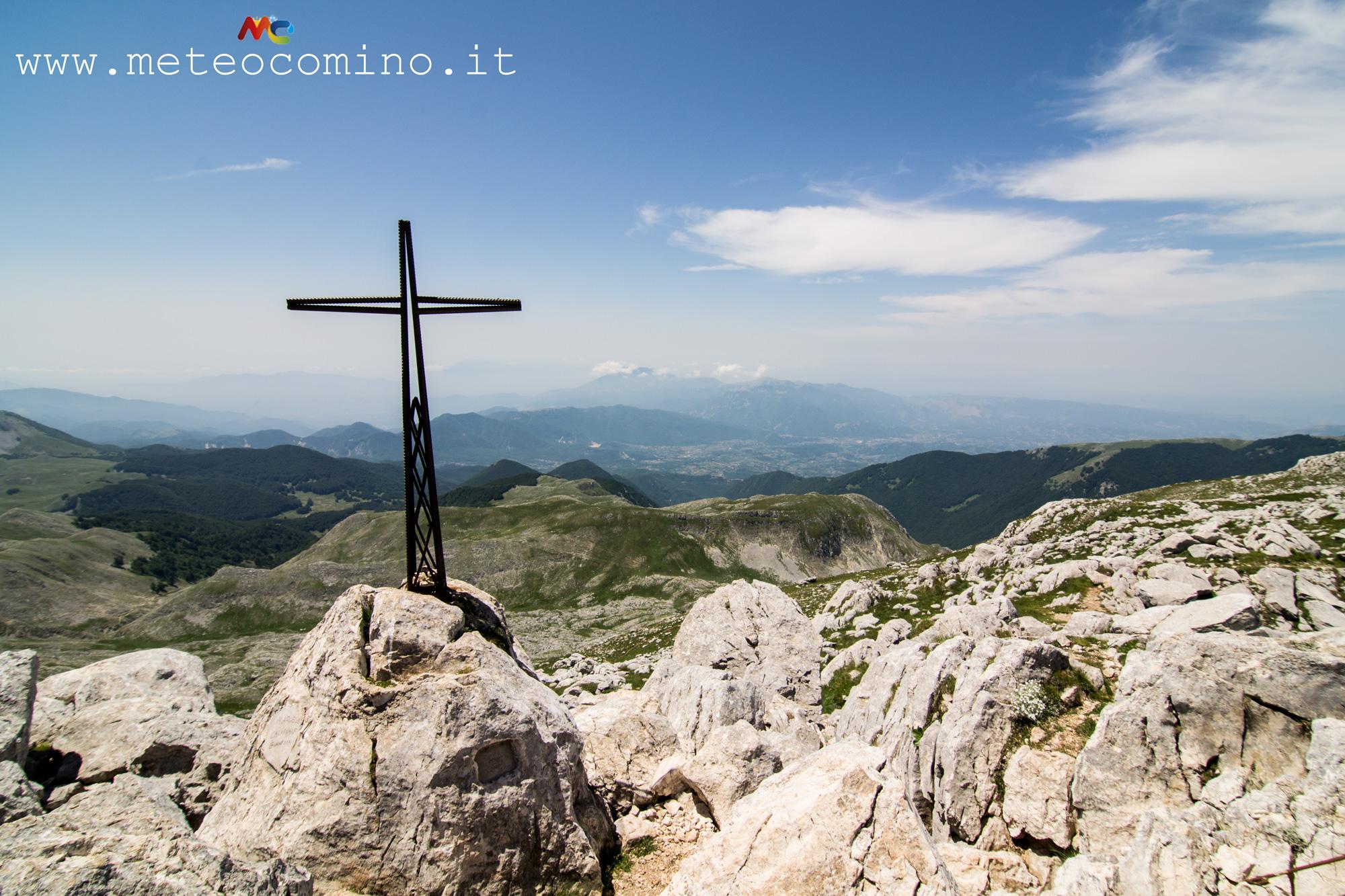 Valle_di_comino_dal_monte_meta_2.jpg